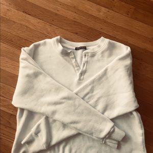 brandy melville long sleeved pullover